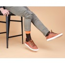 Мужские носки в горох с оранжевым носком и пяткой