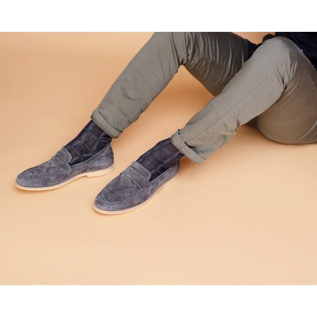 Мужские носки серого цвета в крупный квадрат